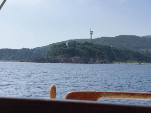 7月21日 佐渡両津港の入り口姫崎灯台